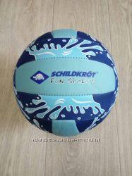 Дешево мяч для пляжного волейбола или футбола