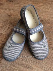 Красивые текстильные туфли Waldi на девочку
