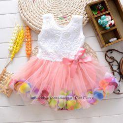Детские платья с лепестками Смотриться очень нежно