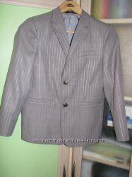 Школьный костюм серый на рост 146 см