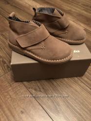 Ботинки Bata натуральный замш