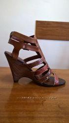Фирменные босоножки сандалии кожа дешево