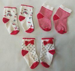 Красно-кремовые носки с бантиками, цветами и полоску