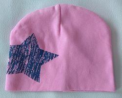Розовая трикотажная шапка со звездой р. 47-48