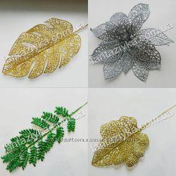 Цветы и листья в блестках, золотые ветки, пуансетия блеск, новогодний декор