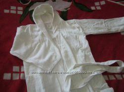 новый махровый халат на 4-12 лет, натуральный коттон, впитывает влагу