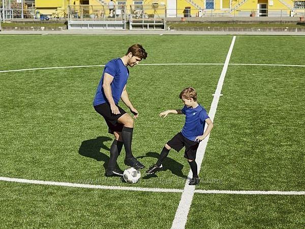 Футбольные гетры от немецкого бренда Crivit