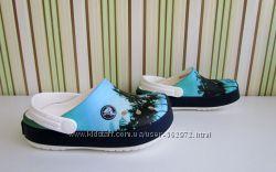 Crocs Crocband clog с разными изображениями