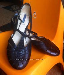 Красивые новые фирменные полностью натур кожа открытые туфли Marc
