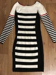 Брендовое платье на С-М
