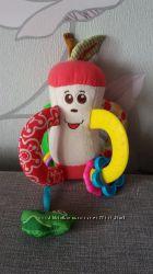 Игрушка погремушка Chicco Вкусное яблоко в идеальном состоянии