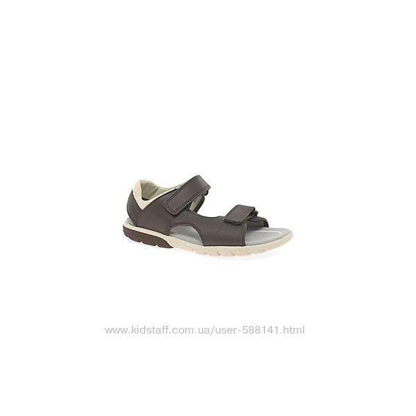 Clarks  Rocco Wave Y кожаные сандали