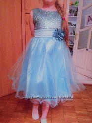 Платье нарядное новое р. 134
