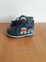 Продам детские ботинки фирмы Clibee  21 размер
