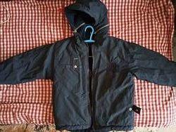 Amadeo тепленька куртка на 5-7 р.