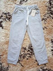 Спортивні штани - нові, тонкі, бавовна р.128.