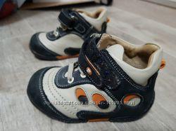 Продам демисезонные ортопедические ботиночки Perlina в идеальном состоянии