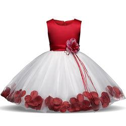 Нереальное нарядное платье, на 5-6 лет