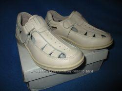 Открытые туфли B&G р. 30