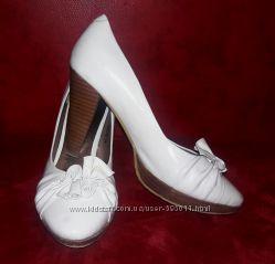 Туфли белые 25, 5 см