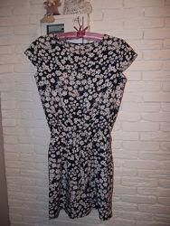 Платье в ромашках