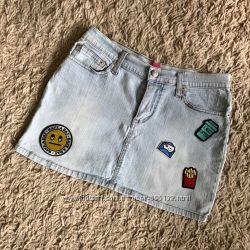 юбку  джинс.  с заниженной талией, цвет голубой