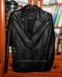 Кожаная куртка для женщины