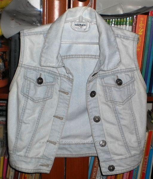 Нежно-голубая джинсовая безрукавка Generation