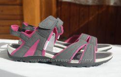 Спортивные сандалии QUECHUA из Испании, р. 36-40