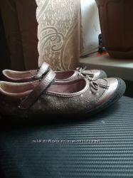 Туфли кожаные школьные.