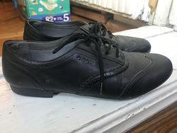 Туфли натуральная кожа. Обули несколько раз.