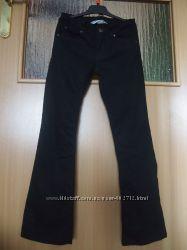 Брюки для девочки H&М 8-9 лет, рост 135, школьные джинсы