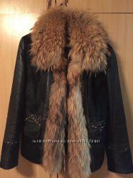 Шикарна демісезонна куртка, р. М