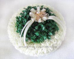 Дизайнерская свадебная подушечка из роз круглая с травкой айвори LA BEAUTY