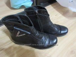 Кожаные деми ботинки р. 34