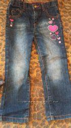 Стильные демисезонные джинсы 3-5 лет
