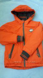 Продам демисезонную куртку Rebel р. 4-6 лет