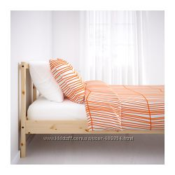 Кровать ИКЕА 140х200 с матрасом. Натуральное дерево