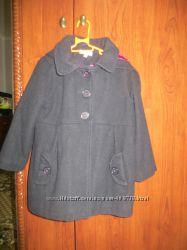 Гарненьке пальто для дівчинки