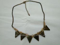 Золотистое металлическое ожерелье Электра