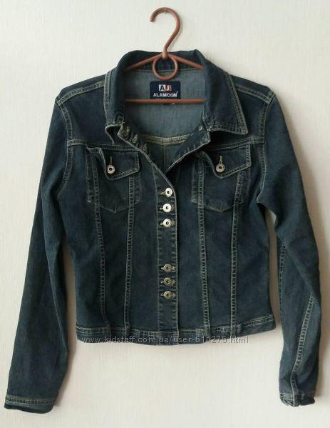 Женская джинсовая куртка размер S
