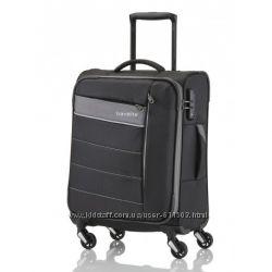 Легкий, средний чемодан. Германия, качество