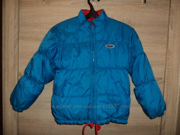 Двухсторонняя курточка Reebok размер указан 7-8,   рост 128