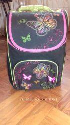 Яркий ортопедический рюкзак для школьницы Kite