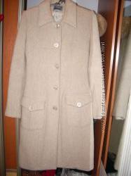 Демисезонное пальто р. 44-46