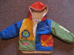 Яркая красочная курточка для малыша или малышки