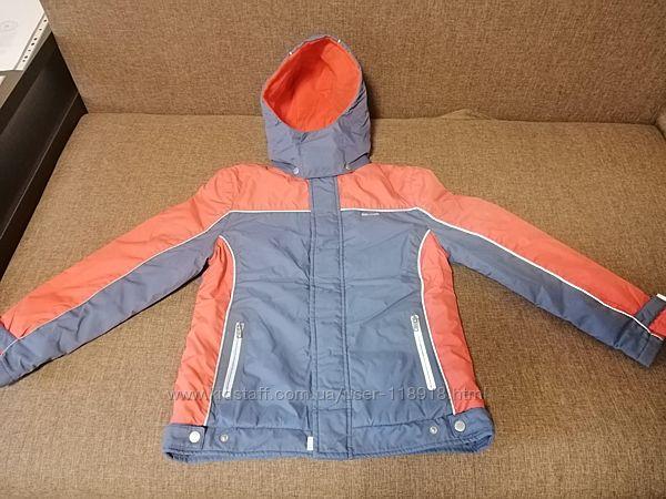 Демисезонная курточка Reebok