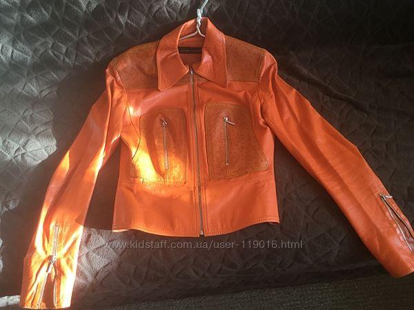 Красивенная  кожаная курточка