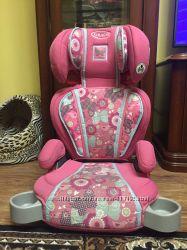 Авто кресло Graco от 3-х лет розового цвета