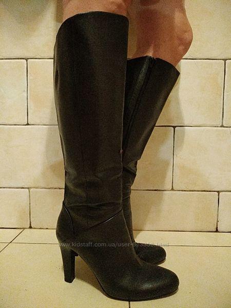 Стильные кожаные сапоги 42 р-ра MARKS & SPENCER